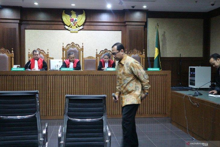 Kakanwil Kemenag Jatim Haris Hasanudin divonis dua tahun penjara