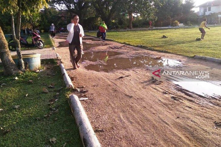 Bupati Tapteng: Fasilitas lapangan sepak bola Pandan akan dibangun