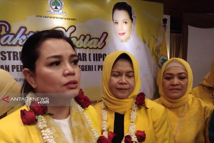 Ikatan Istri Partai Golkar  safari baksos di Surabaya