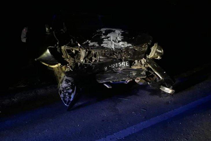 Kijang Innova tabrakan dengan Pickup L300,  seorang lansia meninggal
