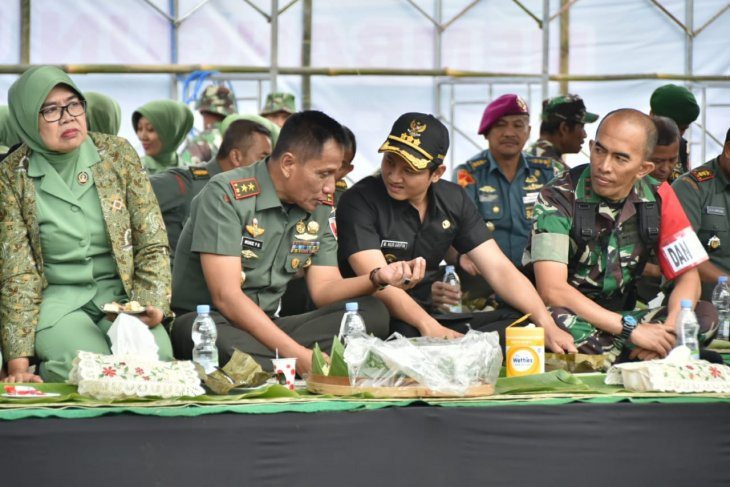 TNI angkat budaya kearifan lokal saat penutupan TMMD