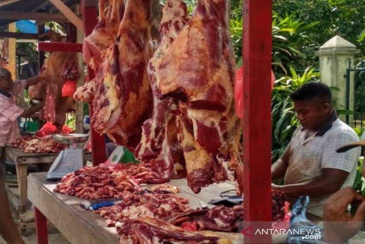Jelang Idul Adha,  daging sapi di Tangsel naik signifikan