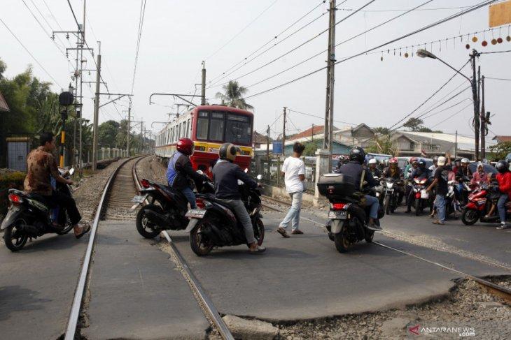 Perlintasan kereta sebidang Tanjung Barat akan ditutup mulai Sabtu
