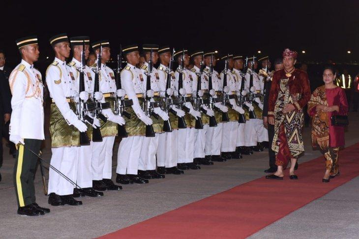 Presiden Jokowi dan PM Mahathir direncanakan salat Jumat bersama