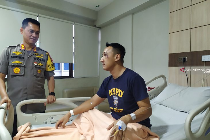 Kapolrestabes Medan jenguk Kapolsek Patumbak korban pengeroyokan