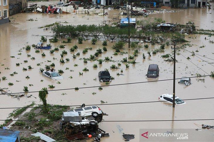 Banjir bandang China tewaskan 14 orang, 8 lainnya hilang