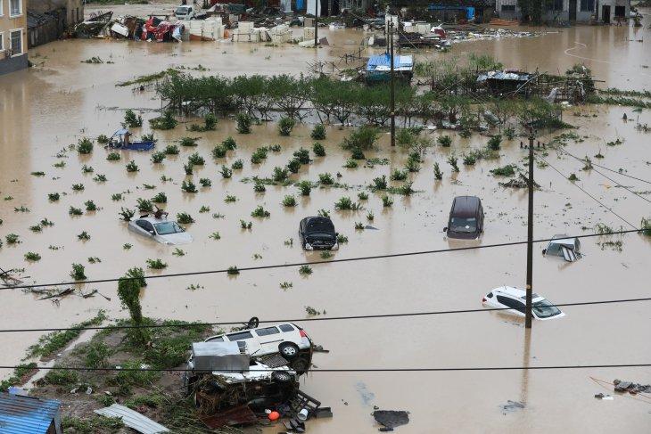 Banjir dan tanah longsor di China, setidaknya 20 orang tewas