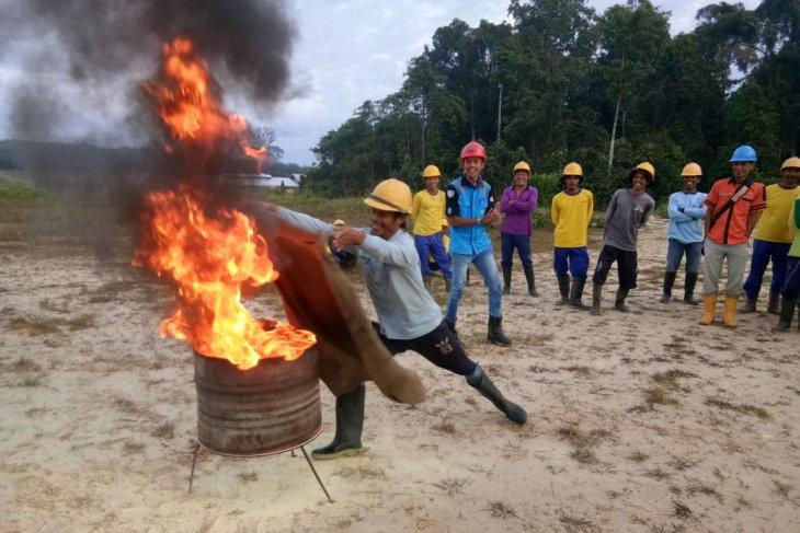 Perusahaan perkebunan sawit galang masyarakat siaga hadapi Karhutla
