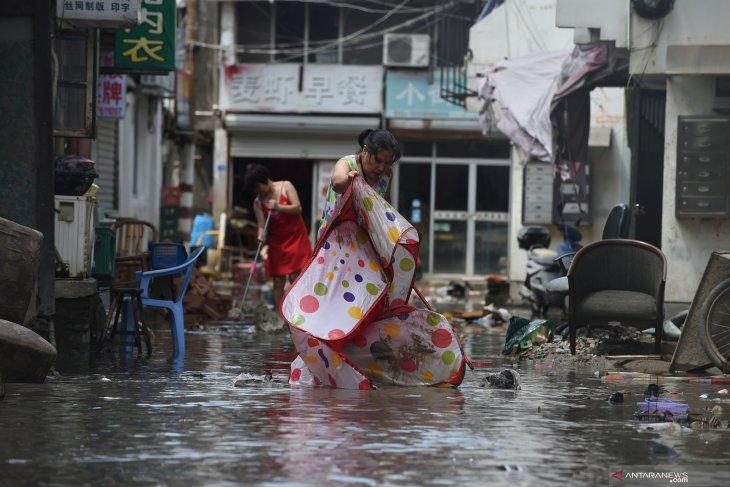 Topan Lekima di China, 45 orang tewas dan 16 hilang