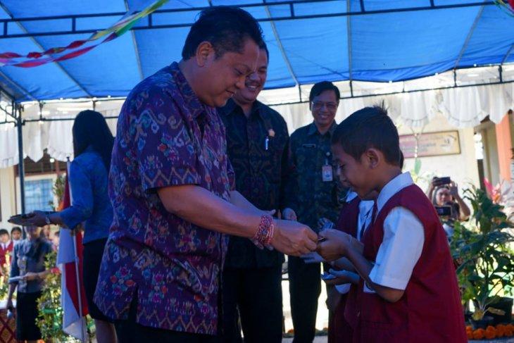 Wali Kota Denpasar serahkan KIA Si Darling