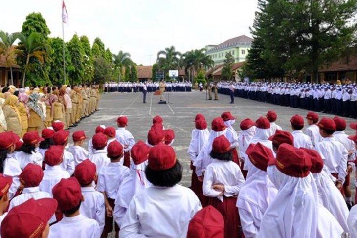 55.253 siswa baru  di Penajam dapatkan seragam sekolah gratis
