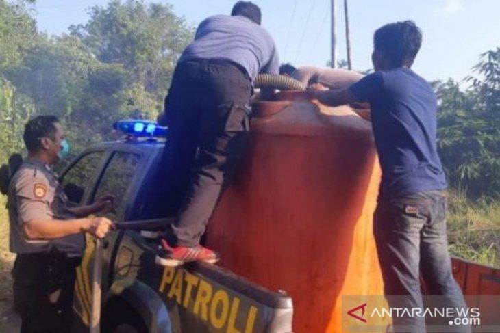 Polsek Toboali modifikasi mobil patroli jadi pemadam kebakaran