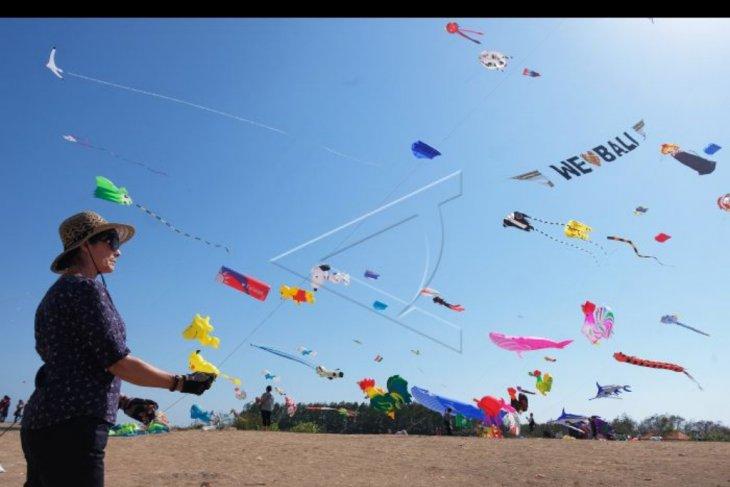 Festival layang-layang internasional di Sanur