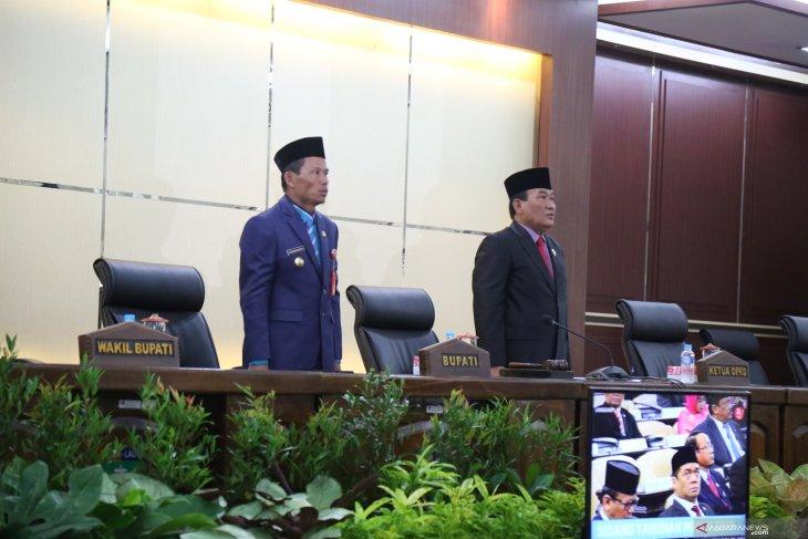 Bupati-DPRD simak pidato Presiden Joko Widodo