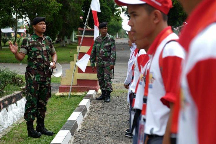 Yonkav 6/Naga Karimata latih disiplin peserta SMN asal Sulteng