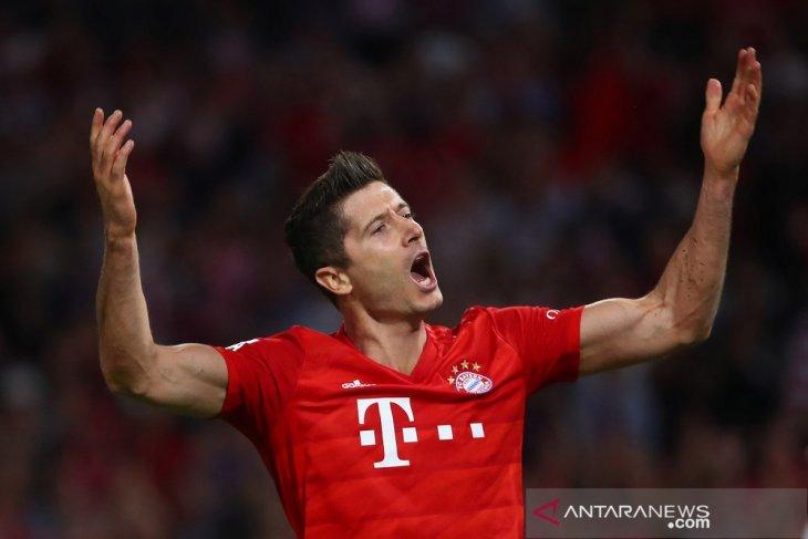Lewandowski lima tahun beruntun cetak gol pada pekan pembuka
