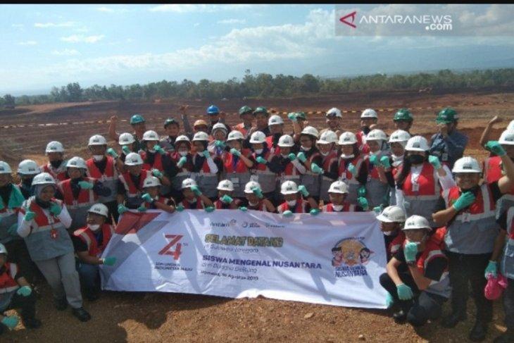 SMN Bangka Belitung lihat proses penggalian mineral PT Antam