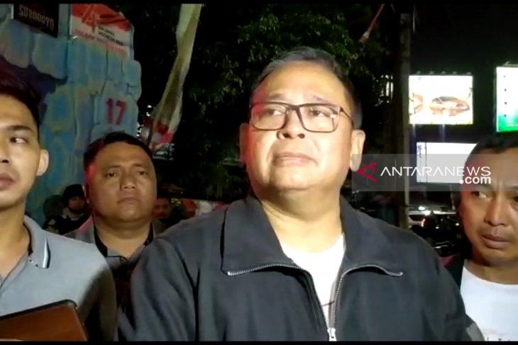 Anggota Polsek Wonokromo dibacok orang tak dikenal (Video)