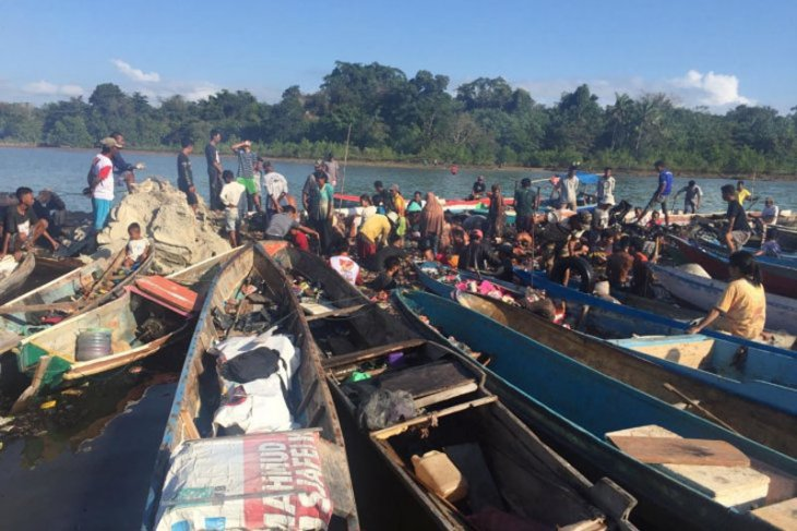 Polisi identifikasi tujuh korban meninggal kapal terbakar