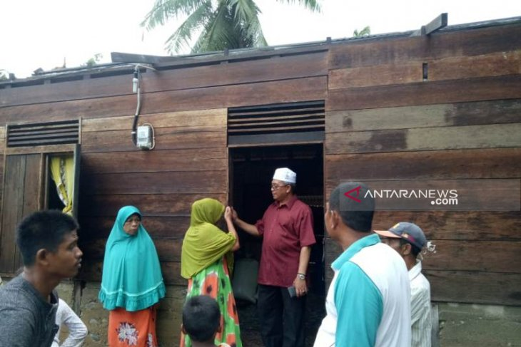 36 houses damaged by strong winds in West Aceh