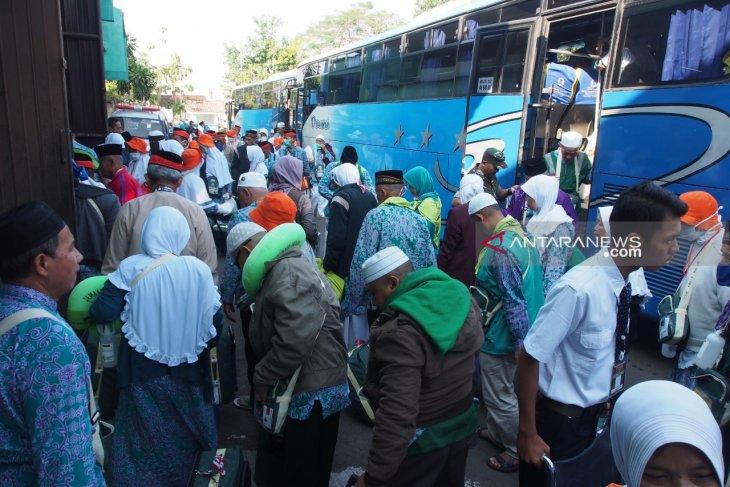 34 haji asal Debarkasi Surabaya meninggal di Tanah Suci