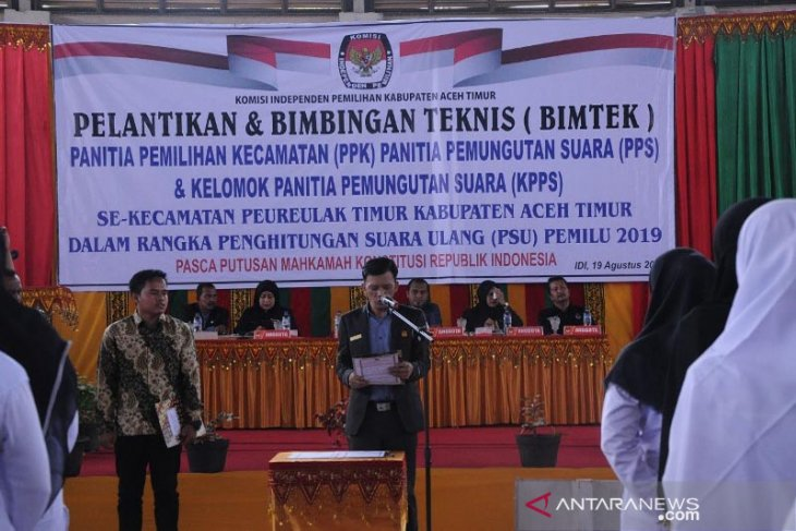 Jelang PSU Pemilu 2019, PPK dan PPS Peureulak Timur dilantik