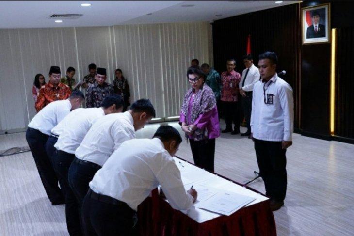 KPK resmi lantik 18 penyidik dan tujuh JPU baru
