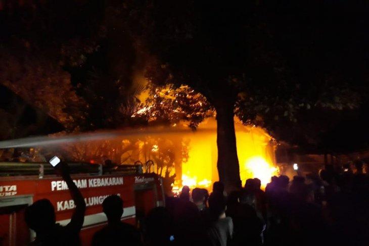 BPBD: Wantilan Pura Dalem Ped di Nusa Penida terbakar