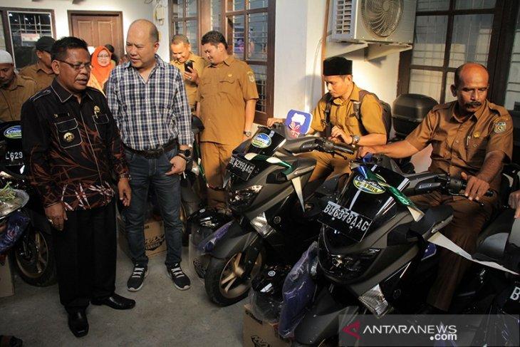 Walikota Aminullah serahkan Yamaha NMAX untuk kendaraan dinas keuchik di Syiah Kuala