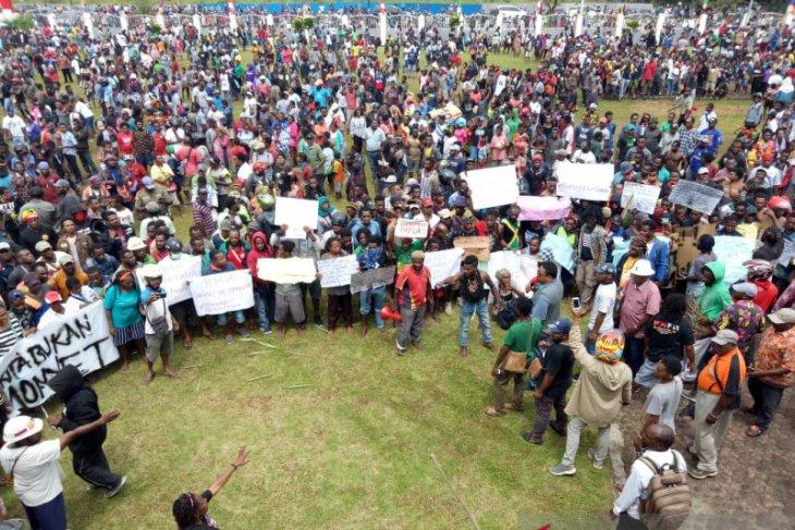 Aksi damai berakhir ricuh di Timika