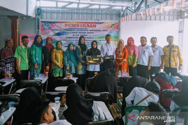 Video - LPK Cerika Batola gelar Program Kecakapan Wirausaha 2019