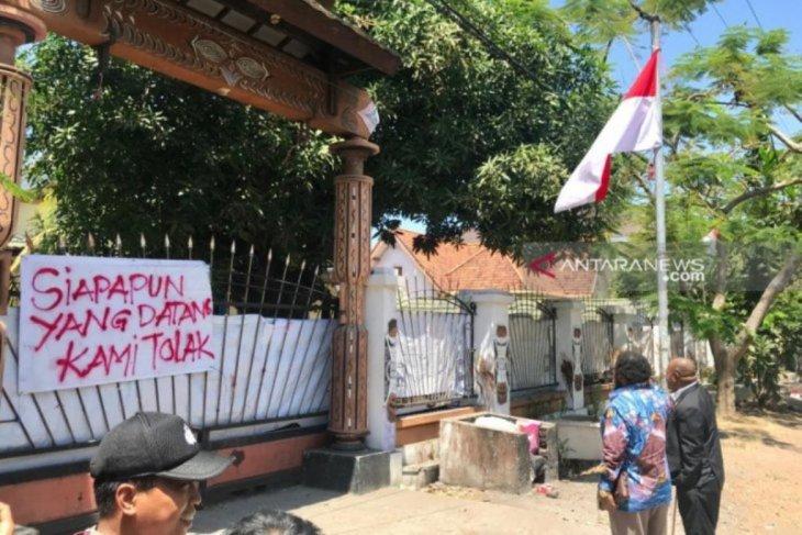 Polisi selidiki kasus perusakan bendera di Surabaya