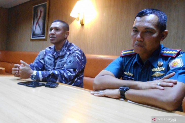 KRI Banda Aceh pulangkan 900 prajurit pengamanan perbatasan di  Papua