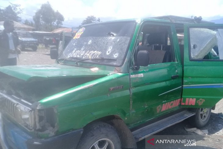 Bupati Jayawijaya minta warga tenang pasca baku tembak di Pasar Jibama