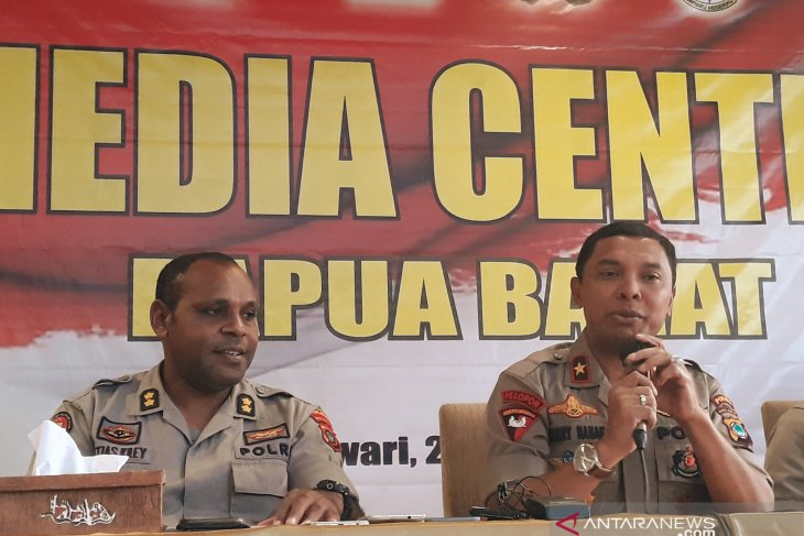 Three suspected of loot, rioting in Manokwari under police arrest
