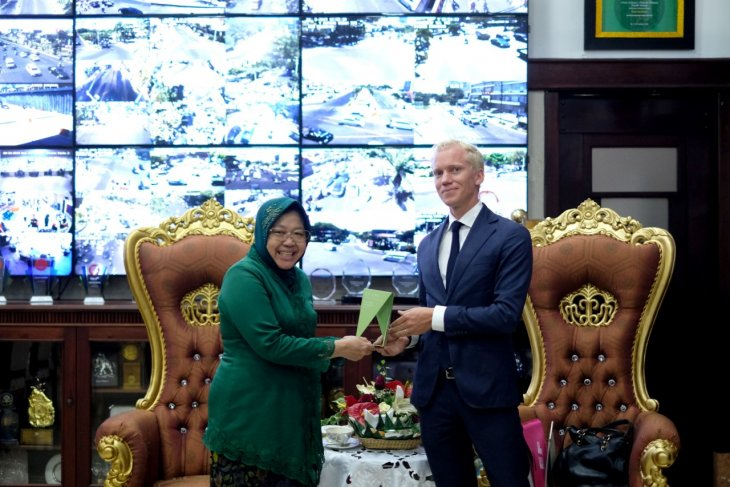 Surabaya raih predikat 'best city' pada EF EPI Best Awards