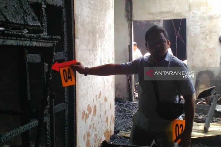 Rumah kos mahasiswa di Peurada hangus terbakar