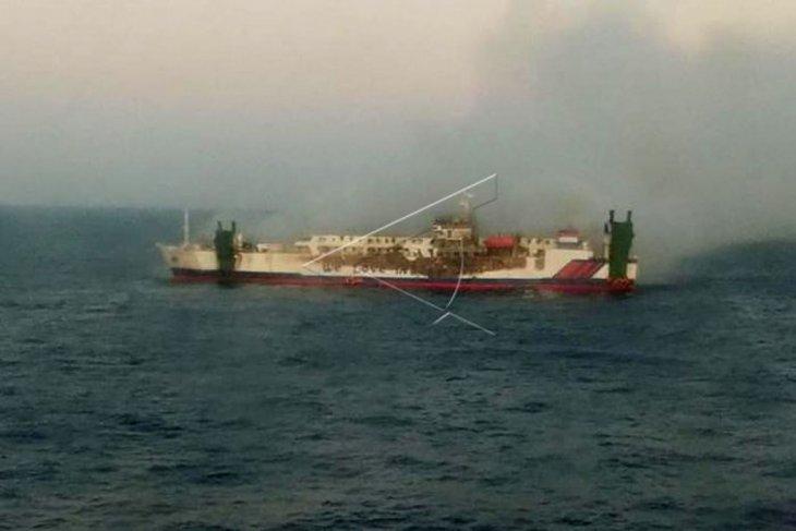 Kapal Ro-Ro KM. Santika Nusantara terbakar