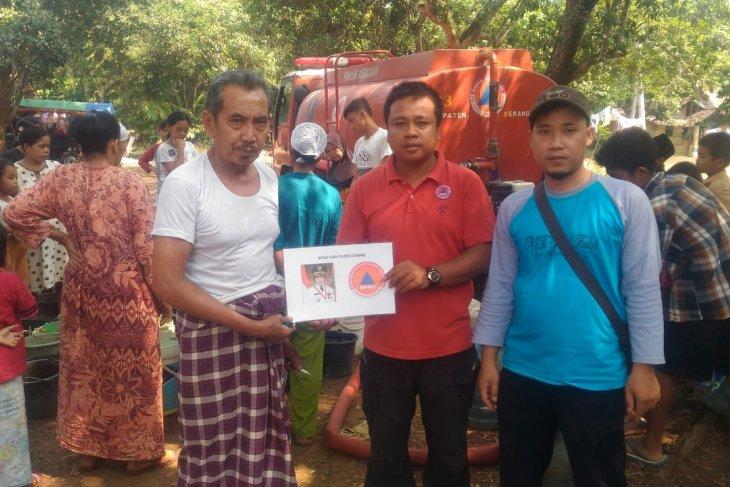 BPBD Serang distribusikan air bersih ke Ponpes di Tirtayasa