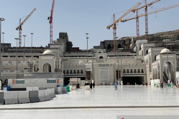 Marmer Yunani rahasia lantai Masjidil Haram tetap dingin