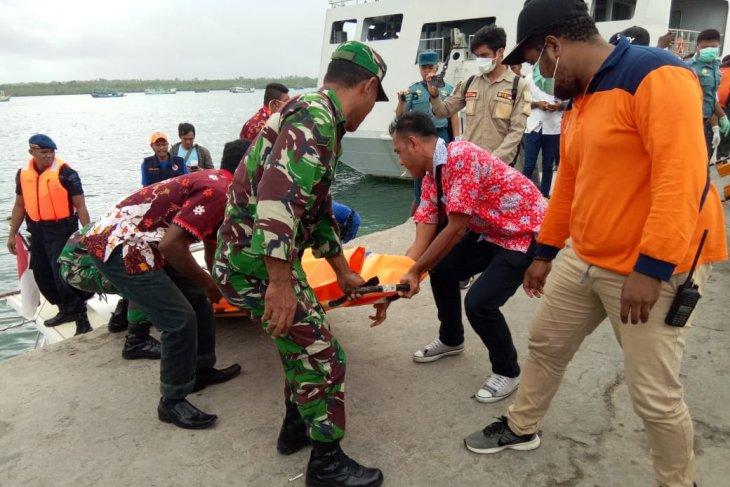 Puluhan personel Brimob-Polair cari 23 ABK KM Mina Sejati