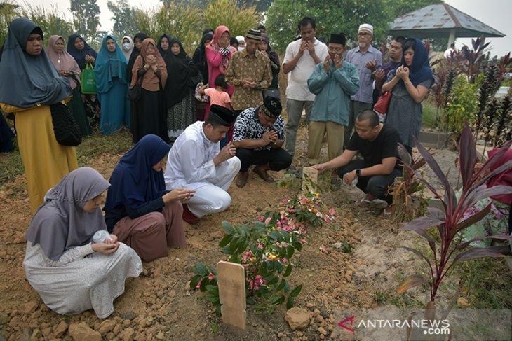 Seorang warga Pekanbaru meninggal diduga akibat asap Karhutla