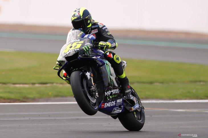 Rossi tunggangi motor Yamaha YZR-M1 raih start terdepan