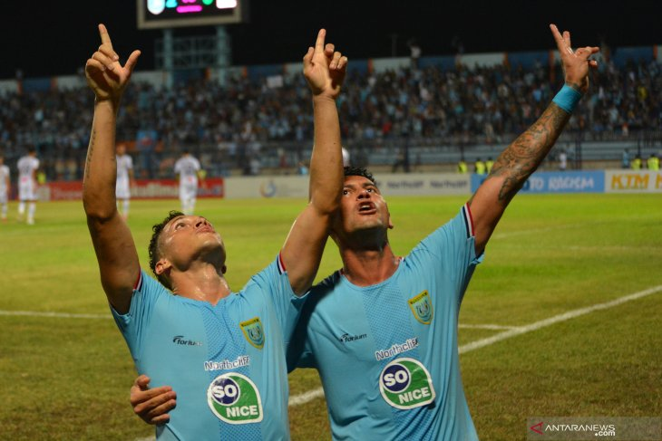 Persela digjaya, gulung PS Tira Persikabo 6-1