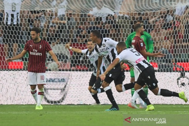 AC Milan kalah di markas Udinese di laga pertama