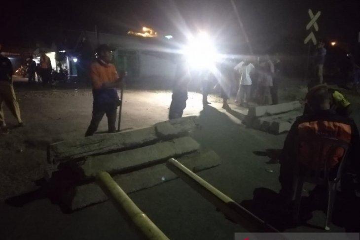 Bupati Cellica tolak rencana PT KAI tutup perlintasan sebidang