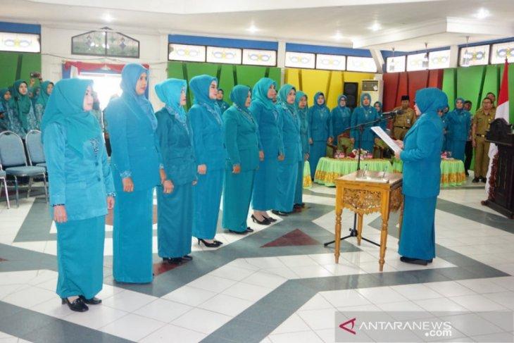 Delapan pengurus PKK Kecamatan dilantik