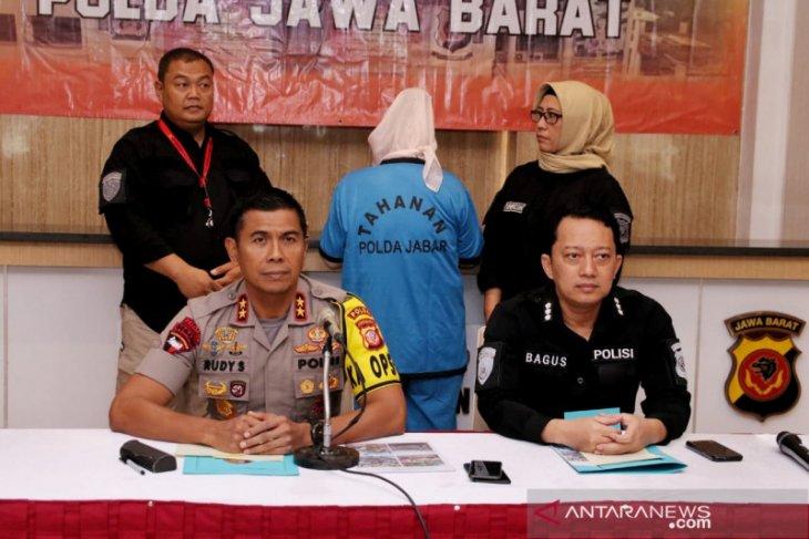 Polisi ungkap perempuan yang bunuh suami dan anak tiri di Sukabumi