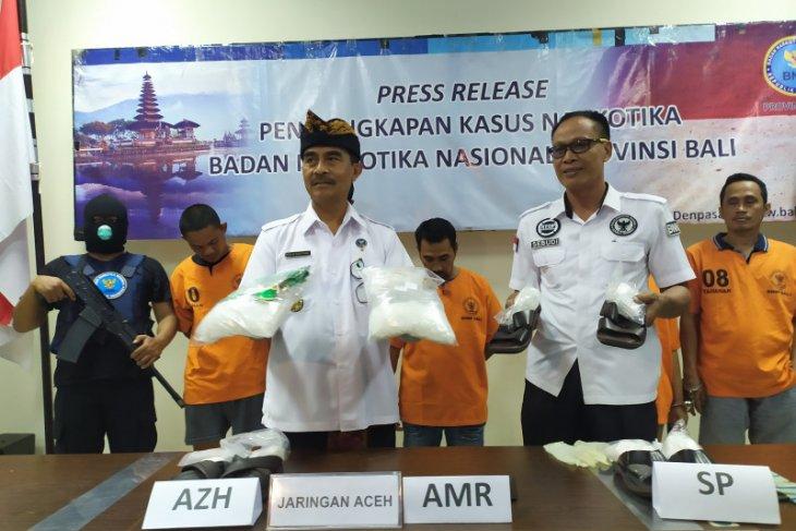 Seorang kurir kirimkan 4 kg sabu dari Aceh ke Bali