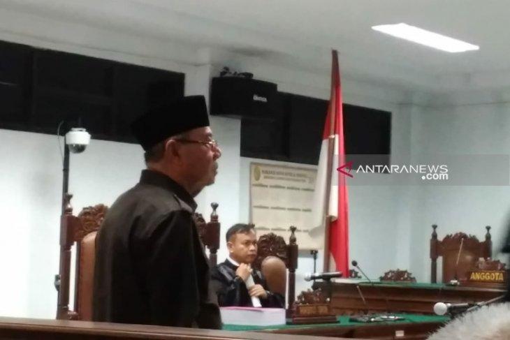 Mantan Bupati Simeulue bantah korupsi Rp8,5  miliar
